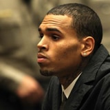Venta de garaje de Chris Brown atrae multitudes