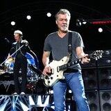Dos guitarras de Eddie Van Halen van a subasta