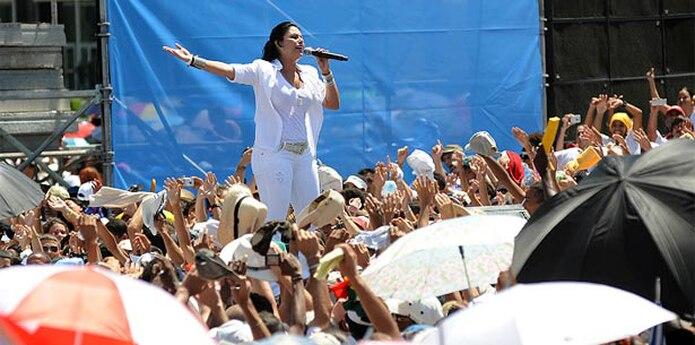 """En el 2009, Olga Tañón se presentó en la segunda edición del concierto """"Paz sin fronteras"""" en la Plaza de la Revolución de la Habana, en Cuba. (Archivo)"""