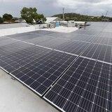 Instalarán placas solares y cisternas en 12,000 hogares afectados por el huracán María