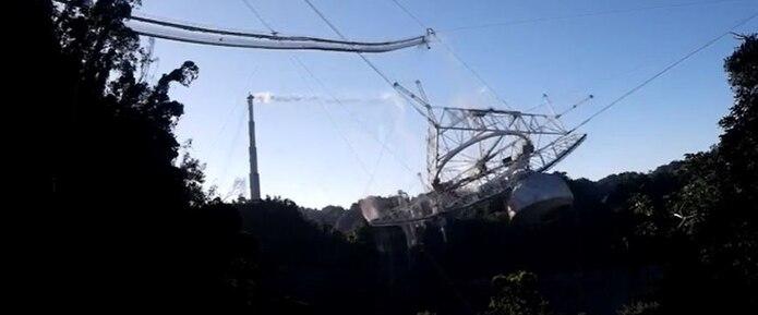 Colapso del radiotelescopio del Observatorio de Arecibo.