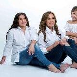 Saudy Rivera le enseña el valor del trabajo a sus hijas
