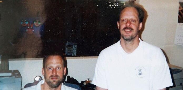 Stephen Craig Paddock (derecha) recientemente le había enviado por correo una andadora a su madre, de 90 años de edad. (AP)