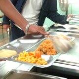 Alcaldes desconocen a dónde han llevado los alimentos donados de los comedores escolares