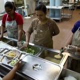 Educación comienza la repartición de alimentos de verano