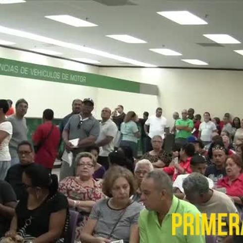 Largas filas para pagar multas en Cesco
