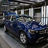 A trabajar unos 133,000 obreros de plantas de autos