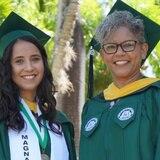 Madre e hija se gradúan juntas del RUM