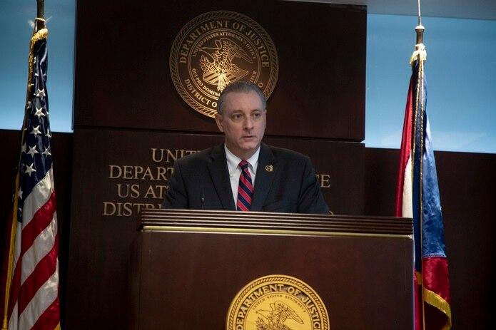 El jefe de la fiscalía federal, Stephen Muldrow, había anunciado antes de las elecciones que el fiscal Seth Erbe estaría a cargo de atender las querellas sometidas por teléfono en la oficina en San Juan.