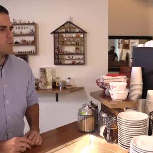 """Café """"oscurito"""" para Ricky Rosselló"""