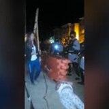 Policía envía decenas de agentes al área de  la playa Los Almendros de Rincón