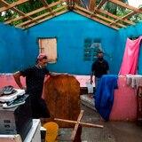 Cientos de dominicanos se quedan sin casa tras el paso de Isaías