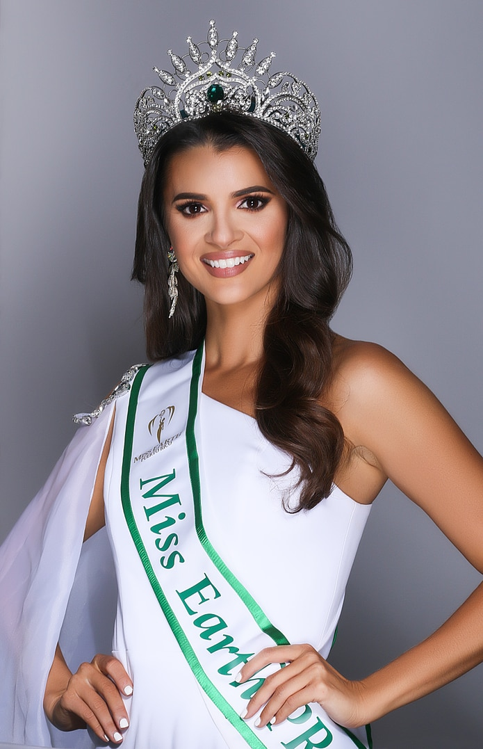 Valerie Vigoreaux coronada Miss Earth 2021.