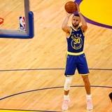 Triple de Stephen Curry le da la victoria a Golden State sobre el Jazz de Utah