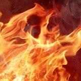 Hombre resulta con quemaduras tras incendiarse una residencia en Villalba