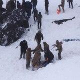 Avalancha arrasa con equipo de rescatistas en Turquía