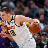 NBA revela que 16 jugadores dieron positivo a coronavirus