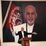 Presidente de Afganistán habría huido con cuatro autos y un helicóptero repletos de dinero