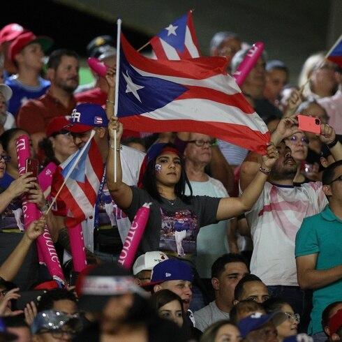 Casa llena en el juego de PR vs. Dominicana de la Serie del Caribe