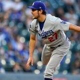 Trevor Bauer logra salida sin hits hasta la séptima entrada en su debut con los Dodgers