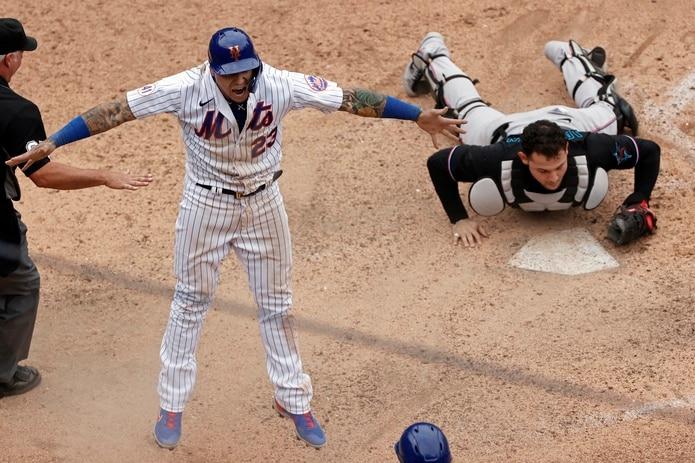 El boricua había sido abucheado durante su turno al bate, uno en el que pegó un hit remolcador de unas de las cinco carreras que marcó Nueva York en la novena para ganar el partido 6-5.