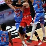Chicago aprovechó la ausencia de Harden y Durant