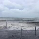Fuerte oleaje en el Malecón de Naguabo por la tormenta Karen