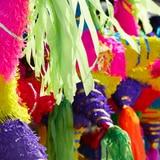 Festival de Virginia impone récord de muestra de piñatas