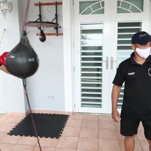 Iván Calderón se pone creativo para entrenar