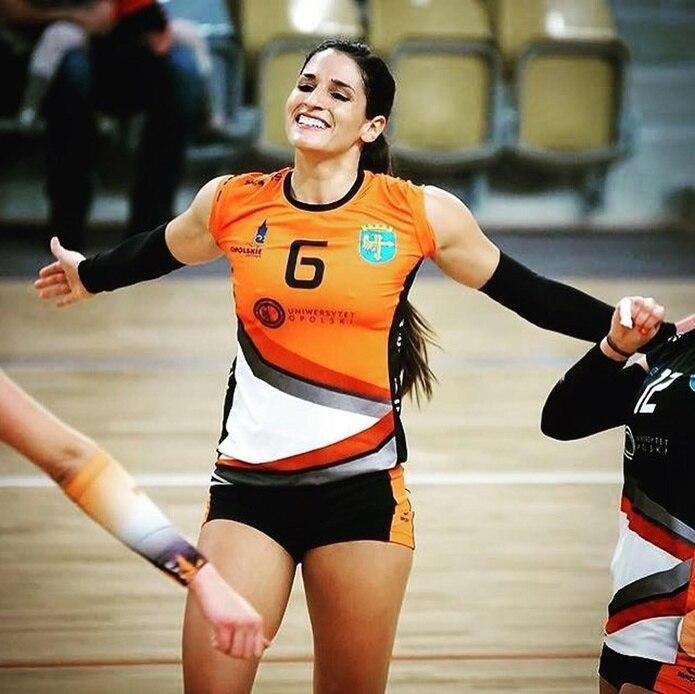 Jennifer Nogueras arribó a Hungría para jugar a nivel de clubes y dijo que el país le ha sometido a una cuarentena y dos rondas de pruebas de coronavirus.