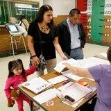 Juez rechaza desestimar caso de puertorriqueños que urgen papeleta en español