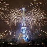 Torre Eiffel reabre al público tras meses cerrada por la pandemia