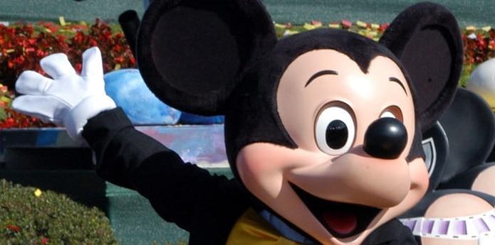 """Inaugurado el 17 de julio de 1955, este complejo turístico presentará """"Paint the Night"""", una combinación de música, juegos de luces y baile a cargo del famoso ratón, que estará acompañado de los legendarios personajes de Disney. (Archivo)"""
