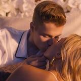 Justin Bieber vuelve a la música y estrena vídeo con su esposa