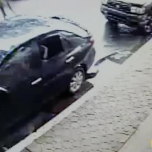 Buscan a un sospechoso de robar sobre 40 autos en el área de San Juan