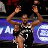 Durant y Harden se combinan en otro triunfo para Brooklyn