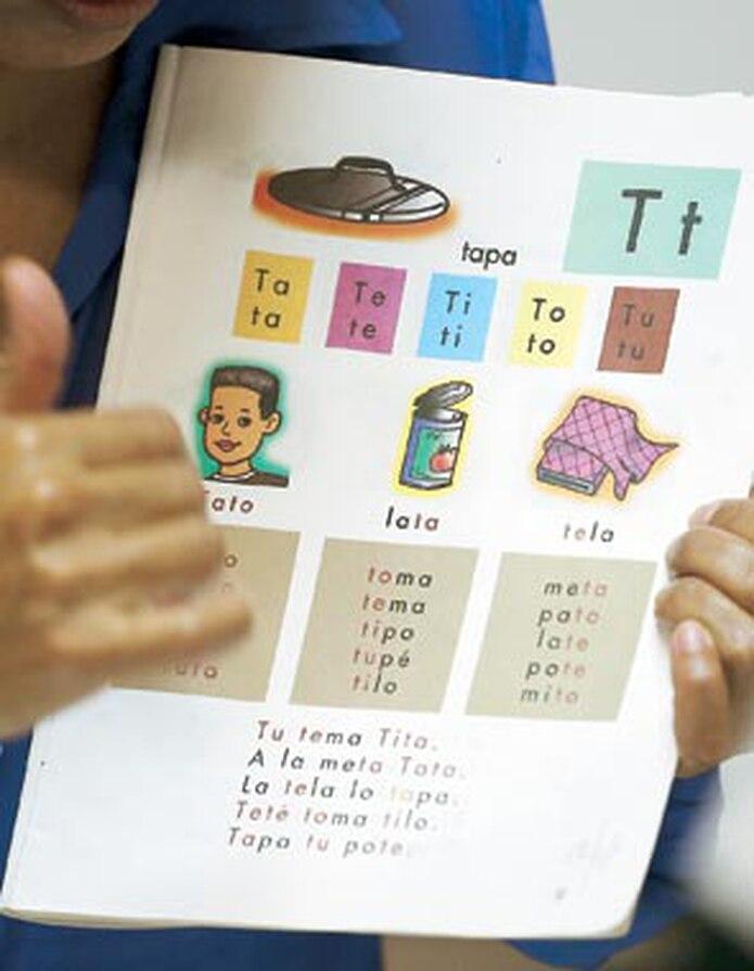La vida cotidiana de una persona que no sabe leer ni escribir se complica al extremo, según confesó Juan Ramón Santana Salas en entrevista con Primera Hora. (Archivo)