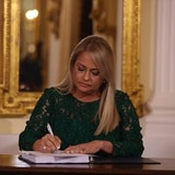 """Gobernadora firma enmienda al Código Penal para incluir el delito conocido como """"grooming"""""""