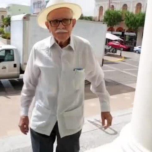 Don Manolito de 99 años listo para lo que traiga el futuro