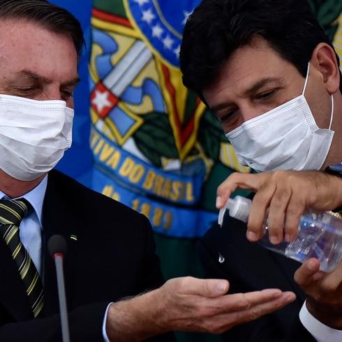 Guerra entre Jair Bolsonaro y su equipo de Salud