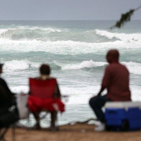 La hora del tiempo: extienden hasta el lunes advertencias en el mar