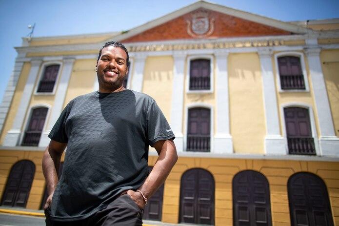 Como productor, Antonio Morales ha llevado sus obras a las tablas del Teatro Tapia, en San Juan.