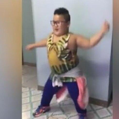 Niño filipino bailando arrasa en la internet