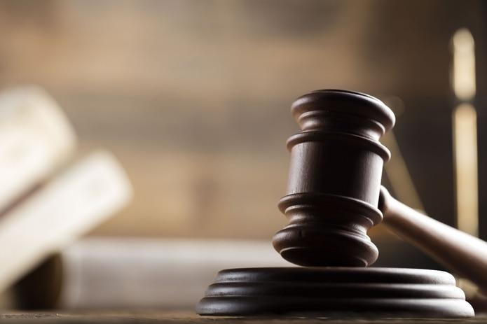 La jueza Michelle Camacho, del Tribunal de Primera Instancia de Arecibo, determinó causa para arresto y le fijó una fianza de $450,000.00, la cual no prestó.