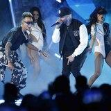 Arrasan los boricuas en los Premios Billboard de la Música Latina