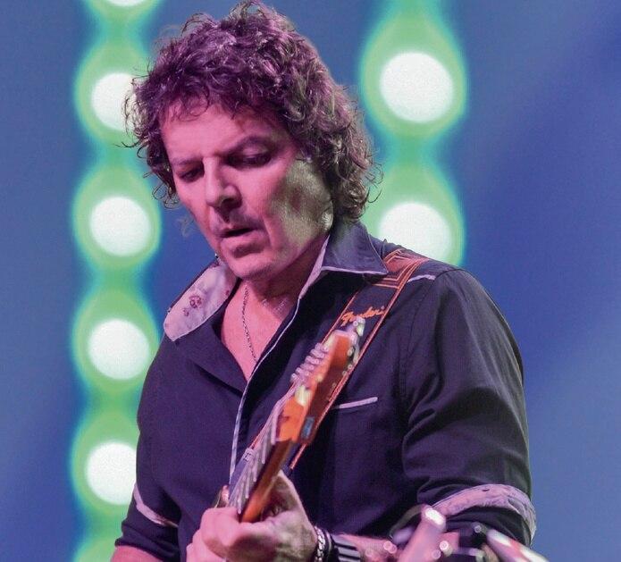 """Este proyecto sigue a """"Guitarras sin fronteras"""", lanzado en el año 2000."""