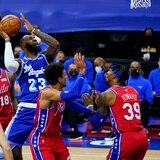 Filadelfia le paró el caballito a LeBron y los Lakers