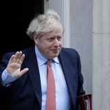 Primer ministro británico pasa segunda noche en intensivo