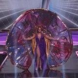 Así lo hizo: Estefanía Soto con su traje de Walter Mercado en Miss Universe