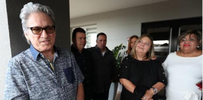 José Noguera, amigo personal de Anthony Cruz, acompañó a la familia de quien describió como una de las voces más privilegiadas de la salsa romántica. (juan.martinez@gfrmedia.com)
